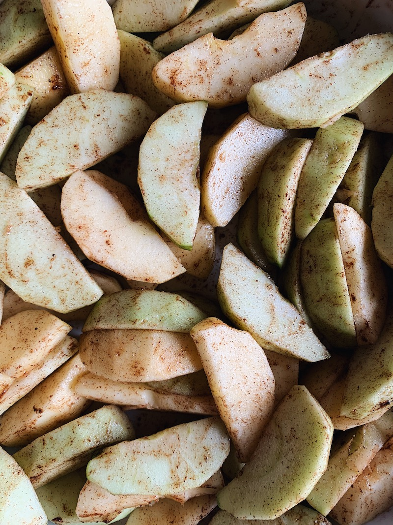 Simple, peeled and sliced apples with cinnamon and other spices